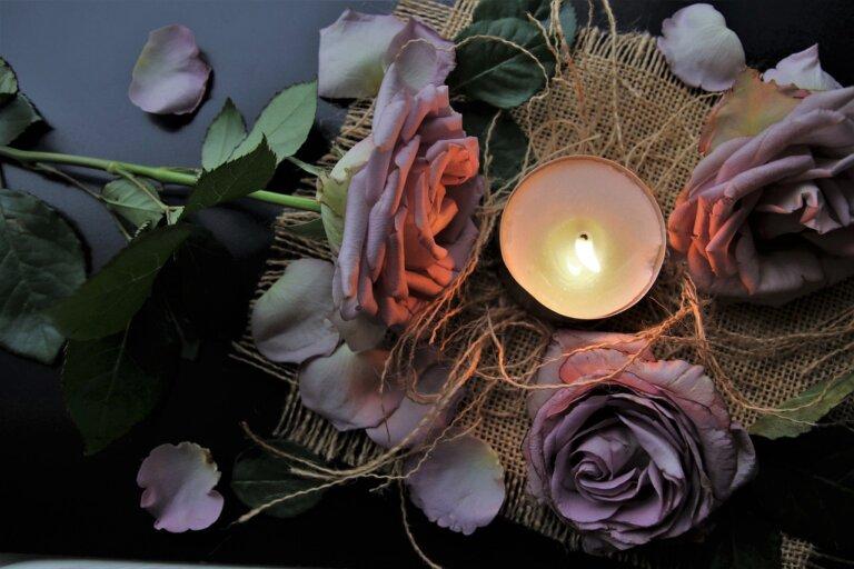 起黑煙、破大洞、總是燒沒多久就沒了?5個香氛蠟燭新手小仙女必看的小常識!